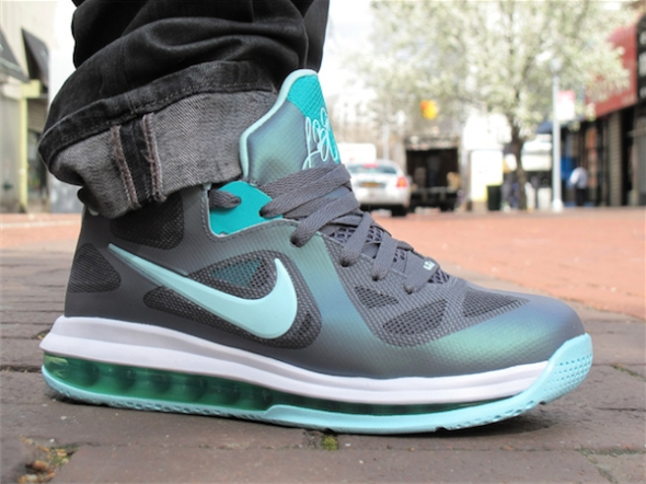 "Nike LeBron 9 Low ""Easter"""