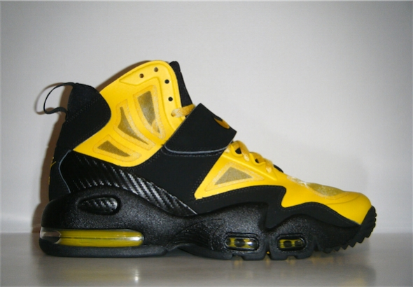 Nike Air Max Express - Black / Yellow