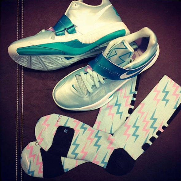"Nike Zoom KD IV ""Easter"" Inspired Nike Elite Socks"