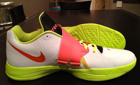 "Nike Zoom KD IV ""Three 4 Five"" PE"